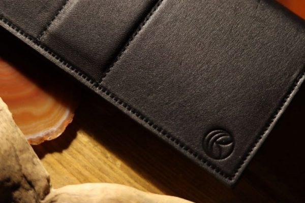 長財布のロゴ