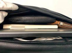 鹿革のレザレクションのショルダーバッグ黒、収容量