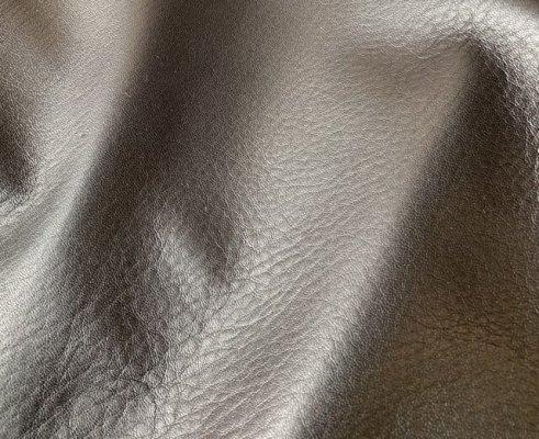 柔軟な鹿革